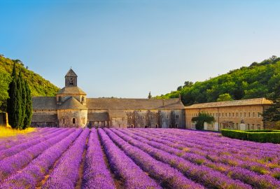 Holiday cottages with pools in Provence